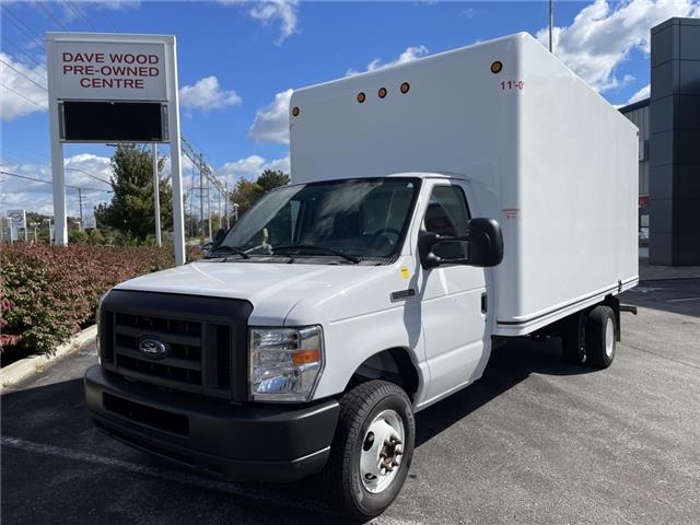 2019 Ford E-450 Cutaway Base (Stk: -) in Newmarket - Image 1 of 13