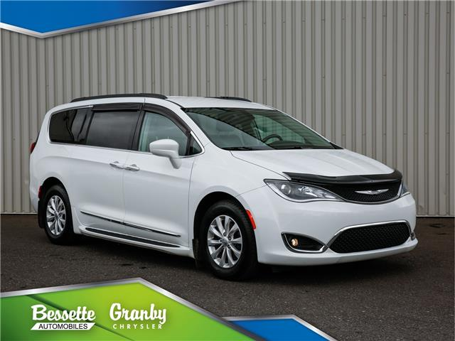 2017 Chrysler Pacifica Touring-L (Stk: 21-215) in Cowansville - Image 1 of 36