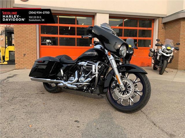 2018 Harley-Davidson FLHX - Street Glide®  (Stk: FLHX-18-8840) in Saskatoon - Image 1 of 9