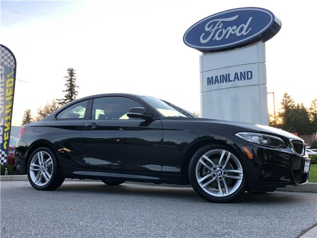 2017 BMW 230i xDrive (Stk: P99492A) in Vancouver - Image 1 of 30