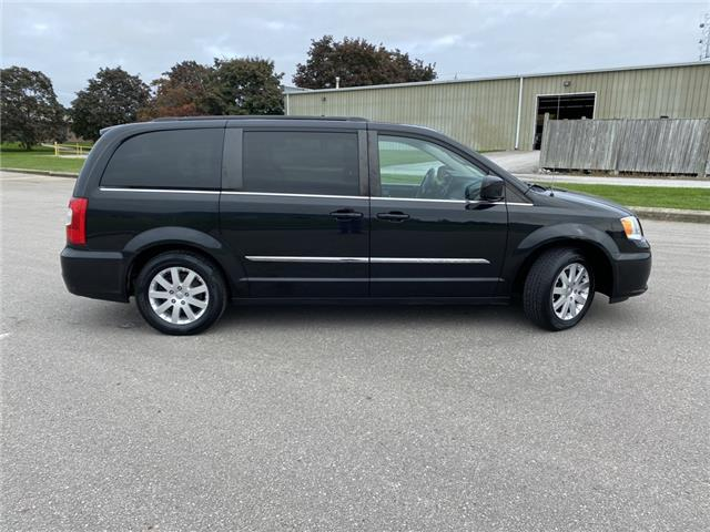 2014 Chrysler Town & Country Touring (Stk: ) in Port Hope - Image 1 of 35