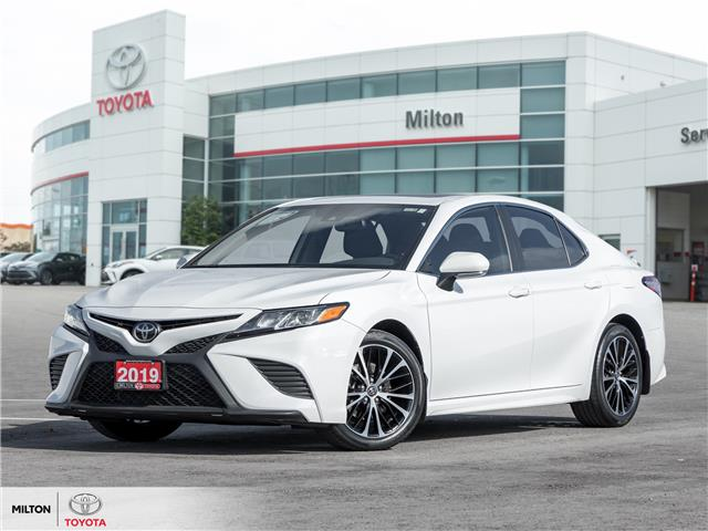 2019 Toyota Camry SE (Stk: 755726) in Milton - Image 1 of 23