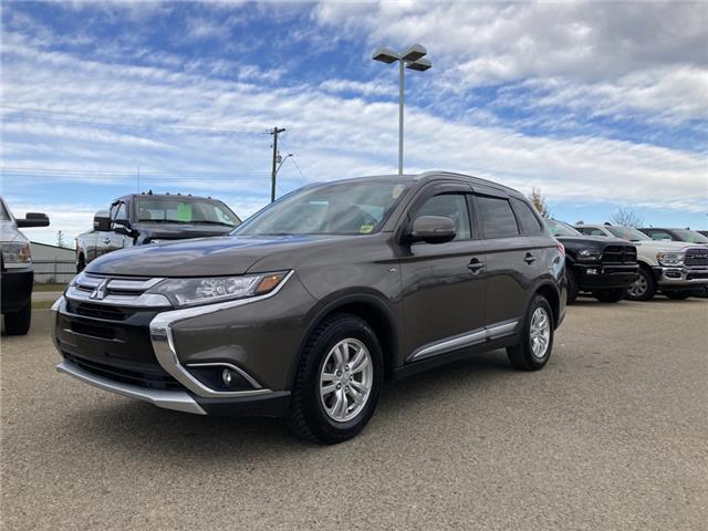 2018 Mitsubishi Outlander SE (Stk: MT181A) in Rocky Mountain House - Image 1 of 25