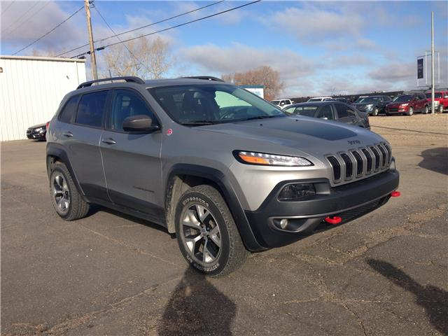 2016 Jeep Cherokee Trailhawk (Stk: 21255A) in Wilkie - Image 1 of 24
