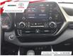 2021 Toyota Highlander Hybrid LE (Stk: 17599) in Barrie - Image 10 of 12